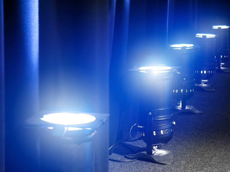 Директни доставки на светлинно оборудване от водещи световни производители